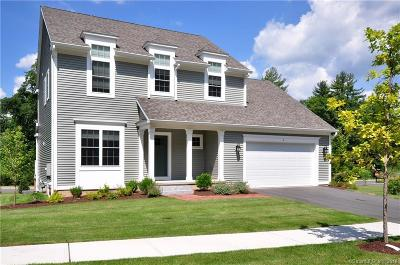 Simsbury Single Family Home For Sale: 104 Carson Way