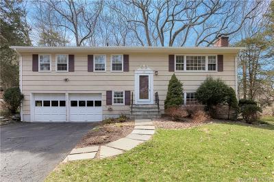 Fairfield County Single Family Home For Sale: 95 Hemlock Drive