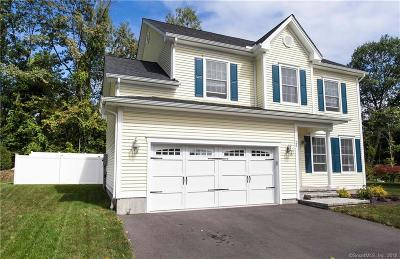 Plainville Single Family Home For Sale: 21 Sandstone Road