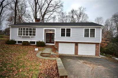 Essex Single Family Home For Sale: 18 Laurel Road