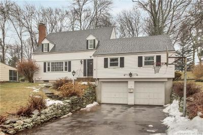 Single Family Home For Sale: 7 Surrey Way