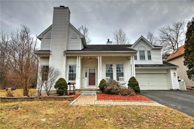 Torrington Single Family Home For Sale: 242 Trotters Way