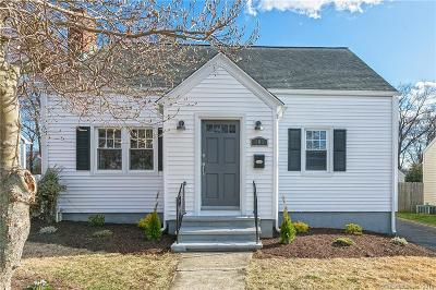 Single Family Home For Sale: 101 Kenwood Avenue