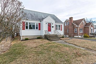 Stratford Single Family Home For Sale: 160 Edgewood Street