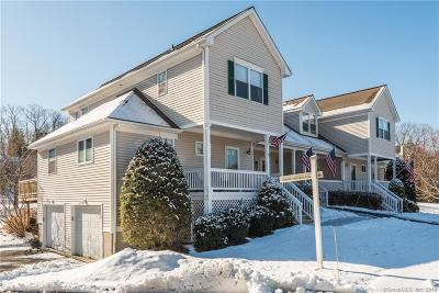 Newtown Condo/Townhouse For Sale: 35 Copper Creek Circle #35