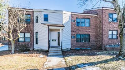 Farmington Condo/Townhouse Show: 62 Wellington Drive #62