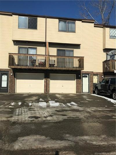 Waterbury Condo/Townhouse For Sale: 2 Craftwood Road #22