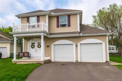 Windsor Single Family Home For Sale: 111 Benjamin Court