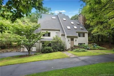 Ridgefield Single Family Home For Sale: 22 Green Lane