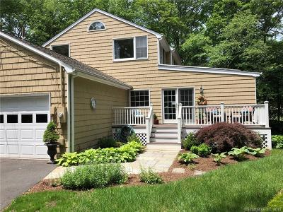 Ridgefield Single Family Home For Sale: 26 Thunder Hill Lane