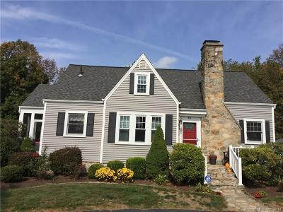 Trumbull Single Family Home For Sale: 414 Stonehouse Road