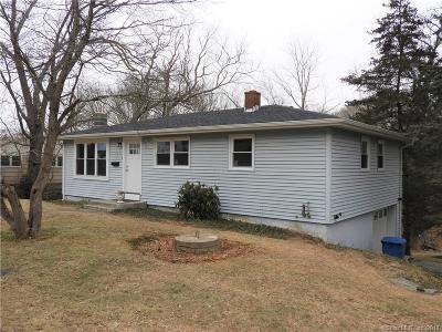 Ledyard Single Family Home For Sale: 2 Arrowhead Drive