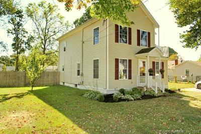 West Haven Single Family Home For Sale: 73 Annawon Avenue