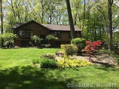 Southington Single Family Home For Sale: 130 McKenzie Drive