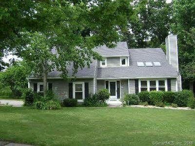 Middletown Single Family Home For Sale: 107 Tavern Circle