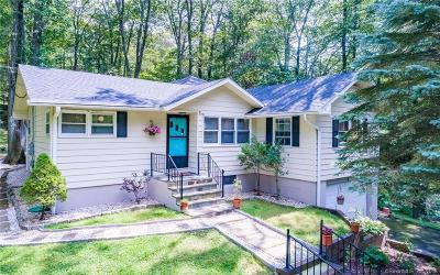 Danbury Single Family Home For Sale: 2 Arthur Street