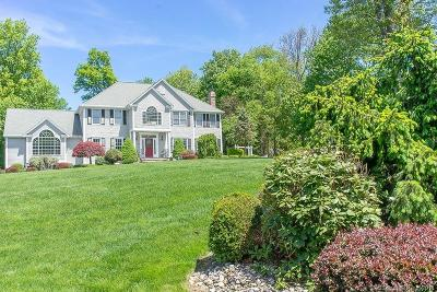 Trumbull Single Family Home For Sale: 15 Vail Court