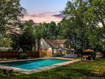 Darien Single Family Home For Sale: 5 Gracie Lane