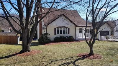 Bristol Single Family Home For Sale: 120 Strawberry Hill Road