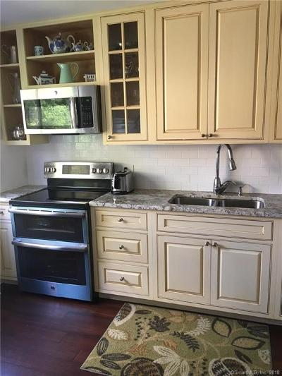 Southbury Condo/Townhouse For Sale: 431 Heritage Village #A