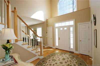 Newtown Single Family Home For Sale: 11 Canterbury Lane