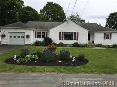 Naugatuck Single Family Home For Sale: 30 Casper Court