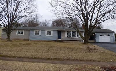 Southington Single Family Home For Sale: 299 Edgewood Circle
