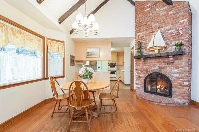 West Hartford Single Family Home For Sale: 7 Berwyn Lane