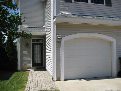Milford CT Condo/Townhouse For Sale: $255,900