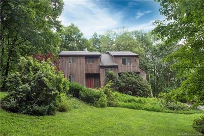 Ridgefield Single Family Home For Sale: 52 Sherwood Road