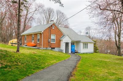 Middlebury Single Family Home For Sale: 8 Colonial Avenue