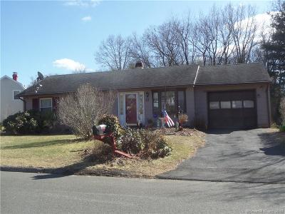 Naugatuck Single Family Home For Sale: 41 Bear Paw Road