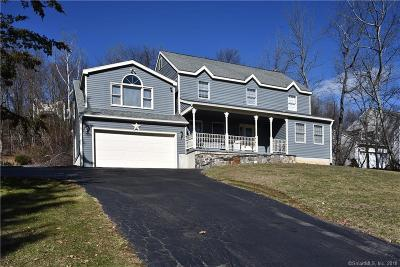 Naugatuck Single Family Home For Sale: 253 Stonefence Road
