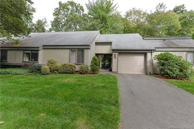 Southbury Condo/Townhouse For Sale: 27 Heritage Crest #B