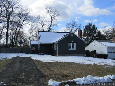 Bristol Single Family Home For Sale: 95 Debra Lane