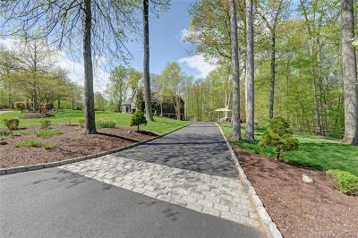 Newtown Single Family Home For Sale: 27 Oak Ridge Drive