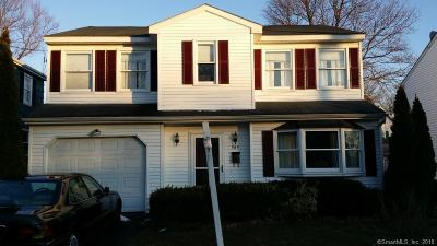 Milford Single Family Home For Sale: 989 East Broadway