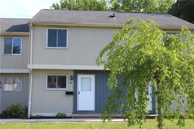 Condo/Townhouse For Sale: 16 Seymour Road #16E