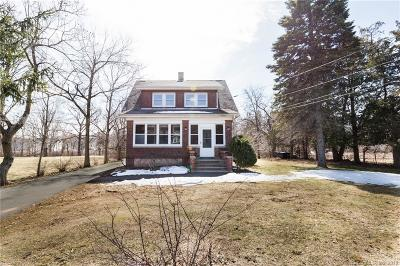 Southington Single Family Home For Sale: 1564 Meriden Waterbury Turnpike