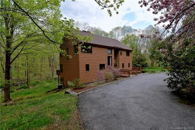Ridgefield Single Family Home For Sale: 17 Old Pierce Road