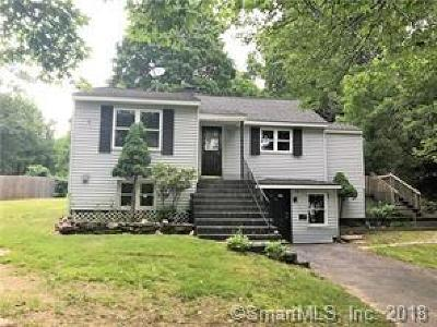 Wolcott Single Family Home For Sale: 136 Brooks Hill Road