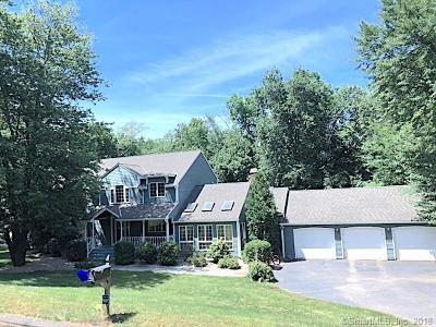 Burlington Single Family Home For Sale: 8 Daniel Trace