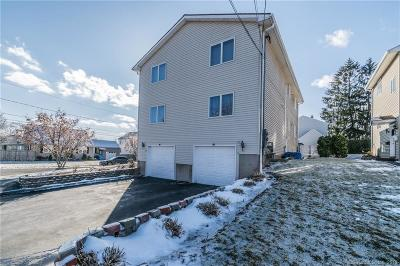 New Britain Condo/Townhouse For Sale: 67 Roosevelt Street #67