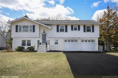 Fairfield County Single Family Home For Sale: 23 Denhurst Place