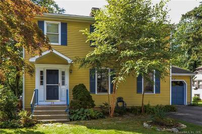 Shelton Single Family Home For Sale: 28 Manhassett Trail