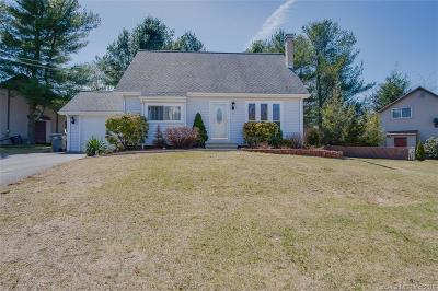 Naugatuck Single Family Home For Sale: 8 Simsberry Road