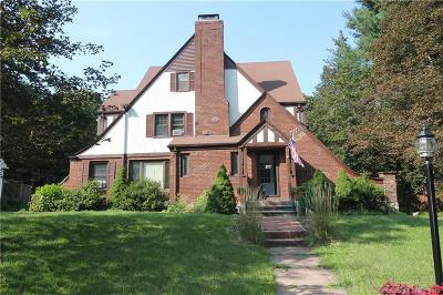 New Britain Single Family Home For Sale: 377 Shuttle Meadow Avenue