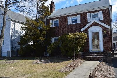Stratford Single Family Home For Sale: 402 Soundview Avenue