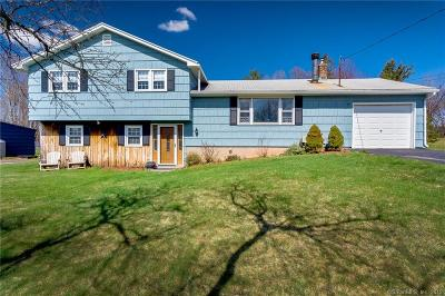 Meriden Single Family Home For Sale: 15 Royal Oak Circle