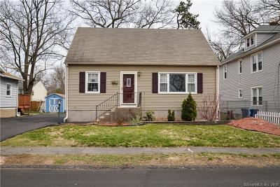 Plainville Single Family Home For Sale: 16 Woodland Street